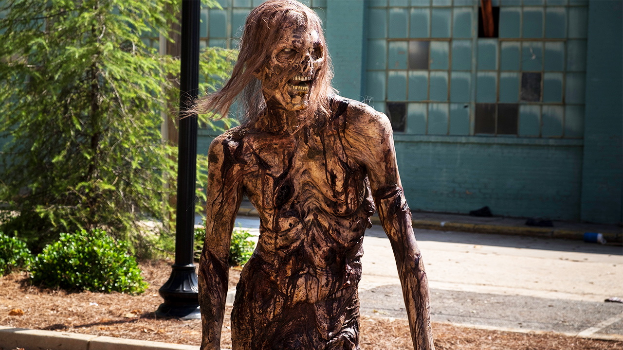 The First Nude Walker Makes Its Glorious Debut In The Walking Dead